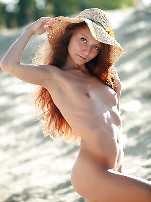 avErotica  Kesy  Amateur, Red Heads, Boobs, Breasts, Tits, Petite, Erotic, Funny, Teens, Solo
